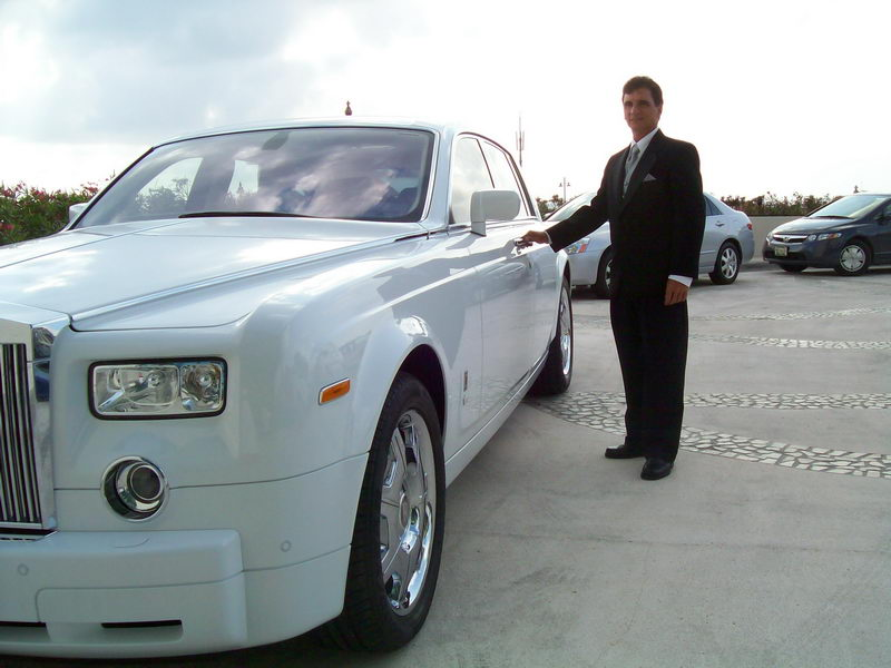 Roll Royce Limousine with driver