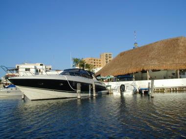 Marina Cancun Lagoon