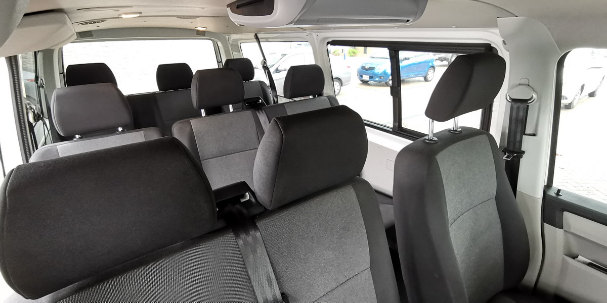 Van for 7 people airport CUN